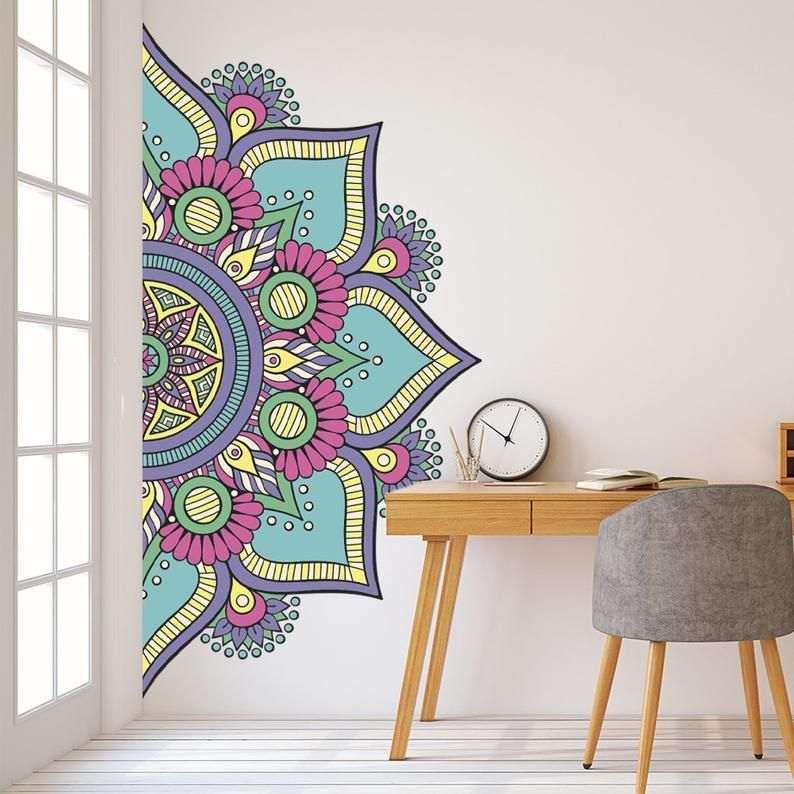 mandala desenhada na parede