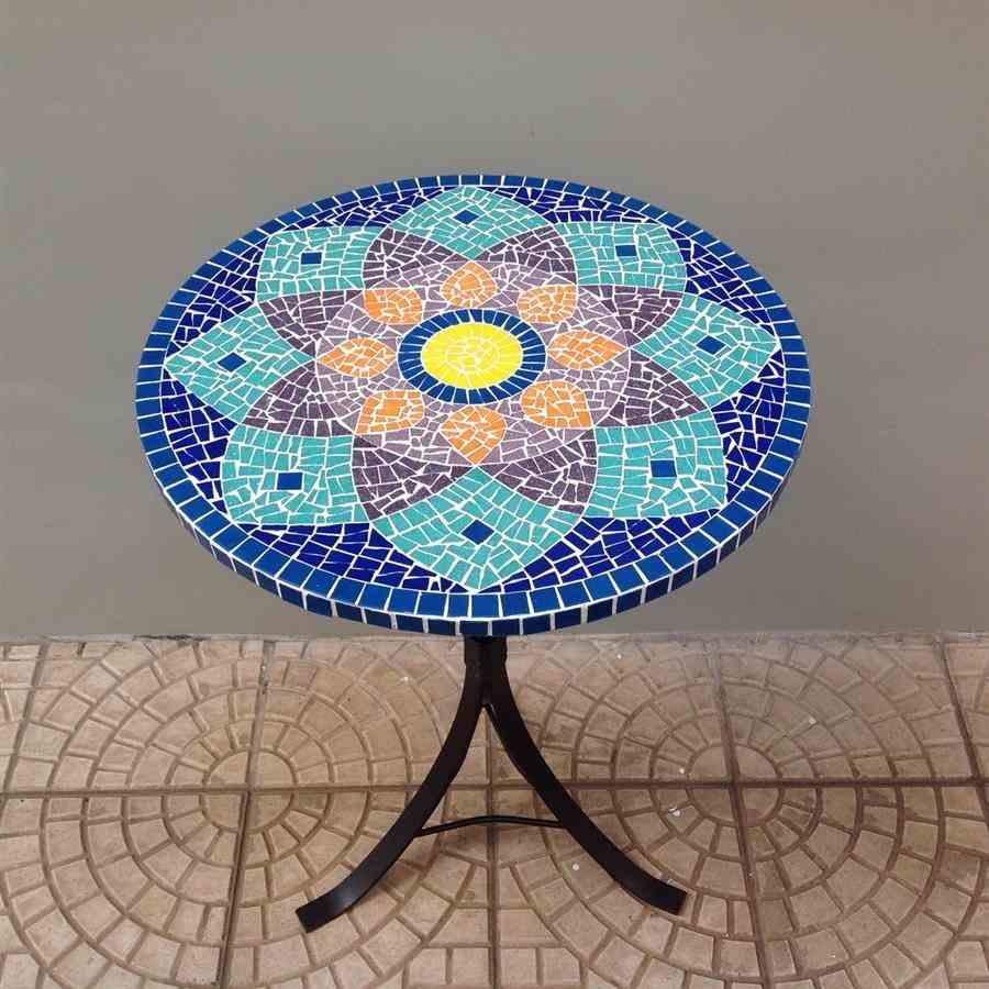 mesa mosaico com pastilhas de vidro