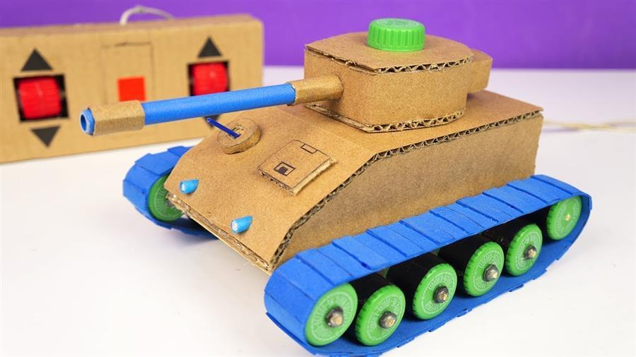 Tanque de guerra de papelão