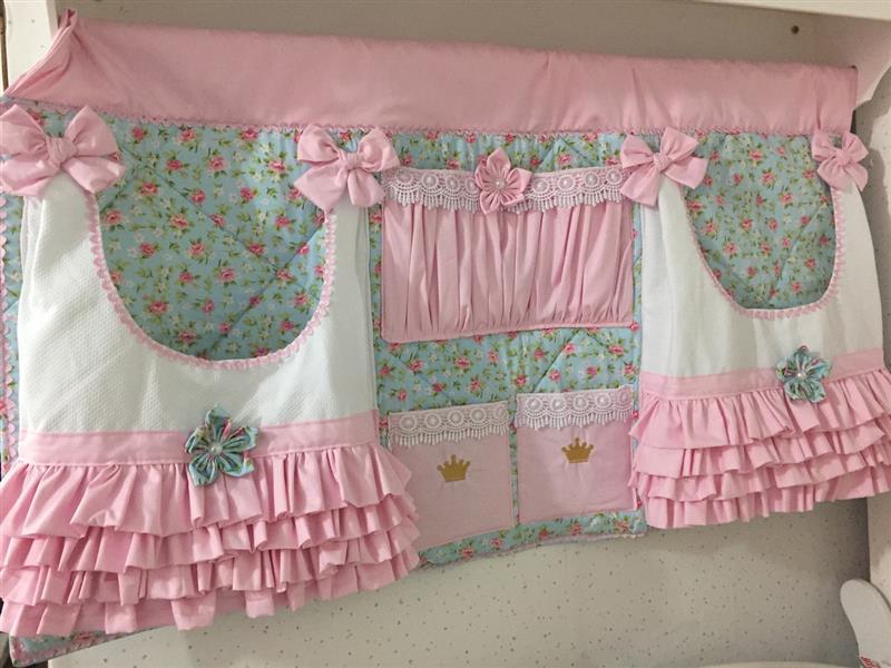 Painel porta fraldas rosa e azul de babadinho
