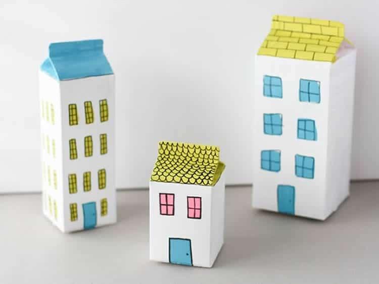 brinquedo reciclado com caixa de leite