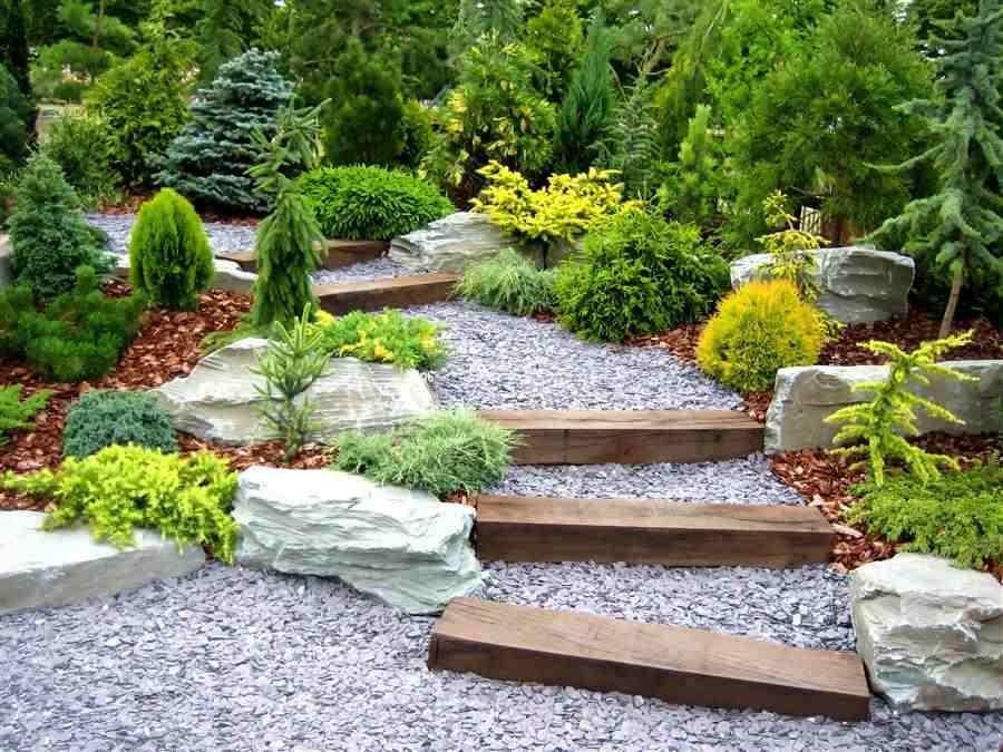Jardim com escada