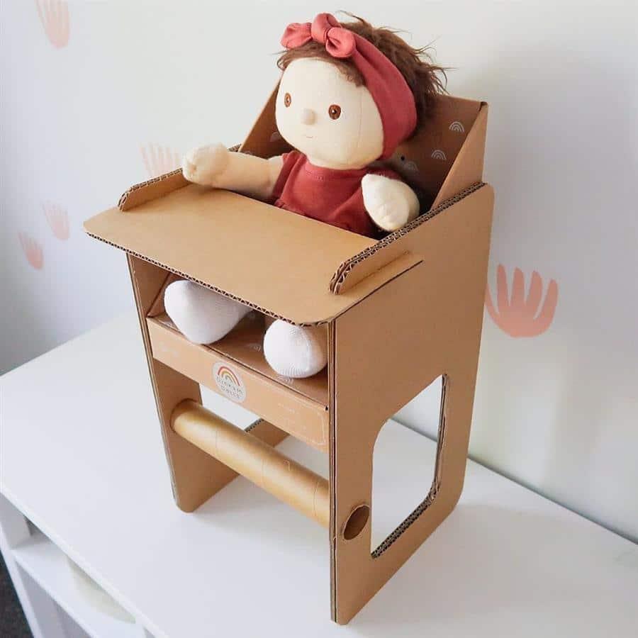 Cadeira de refeição de boneca