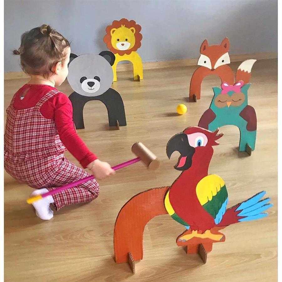 brinquedos com material de reciclagem
