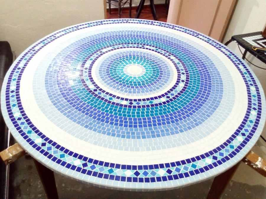 Tampo de mesa com mandala mosaico
