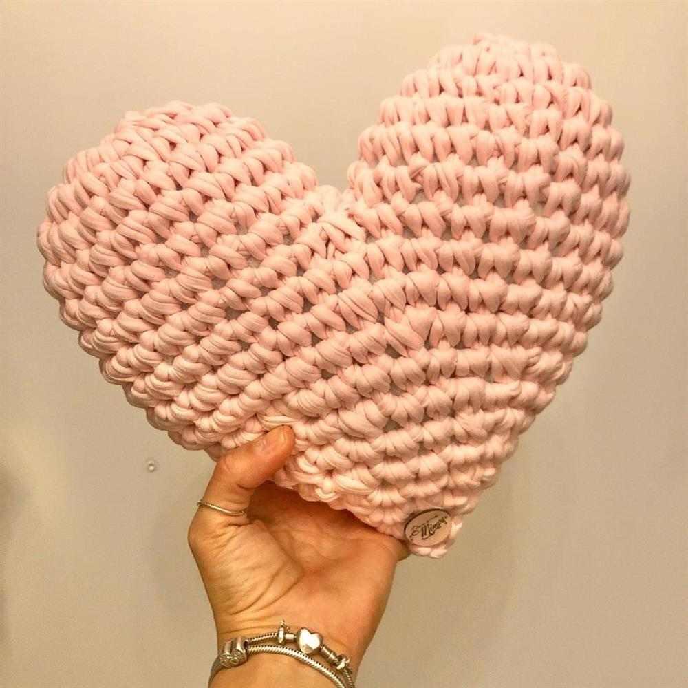 Almofada coração de crochê