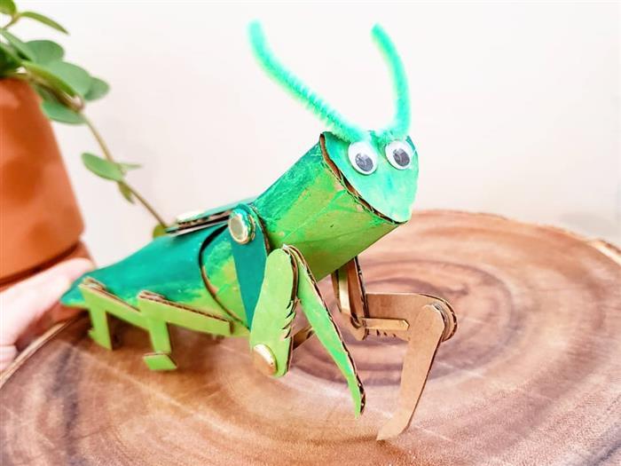brinquedo feito com rolinho de papel higiênico