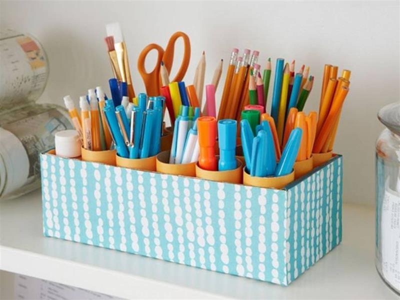organizador com caixa e rolo de papel