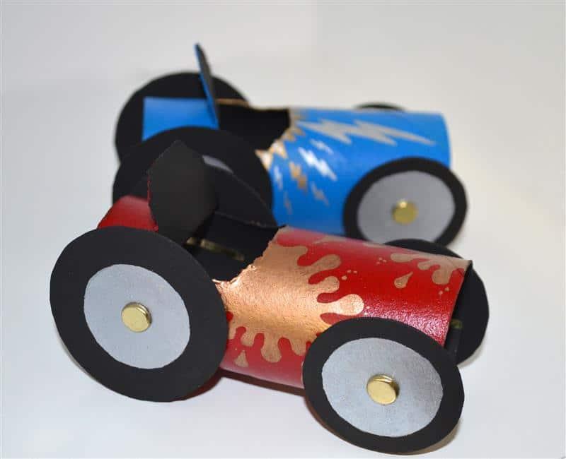 carrinho divertido com material reciclado