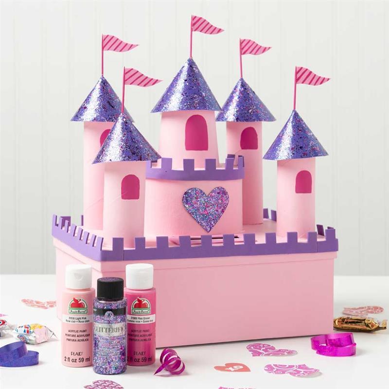 castelo rosa com rolos de papel