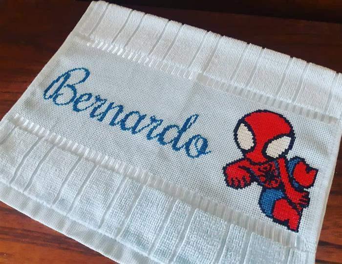 nome Bernardo e homem aranha