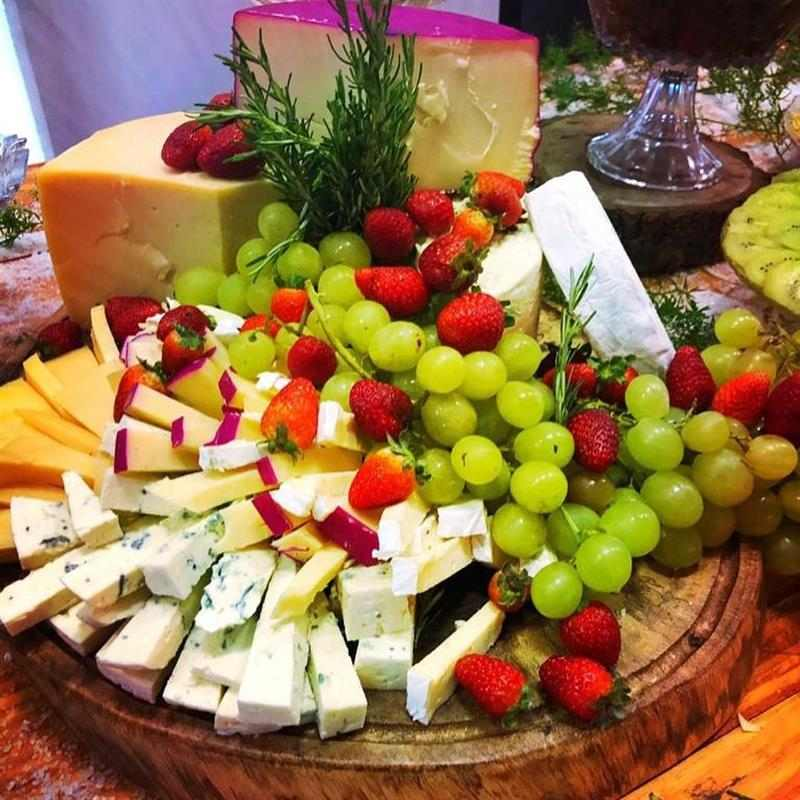 frutas e queijos