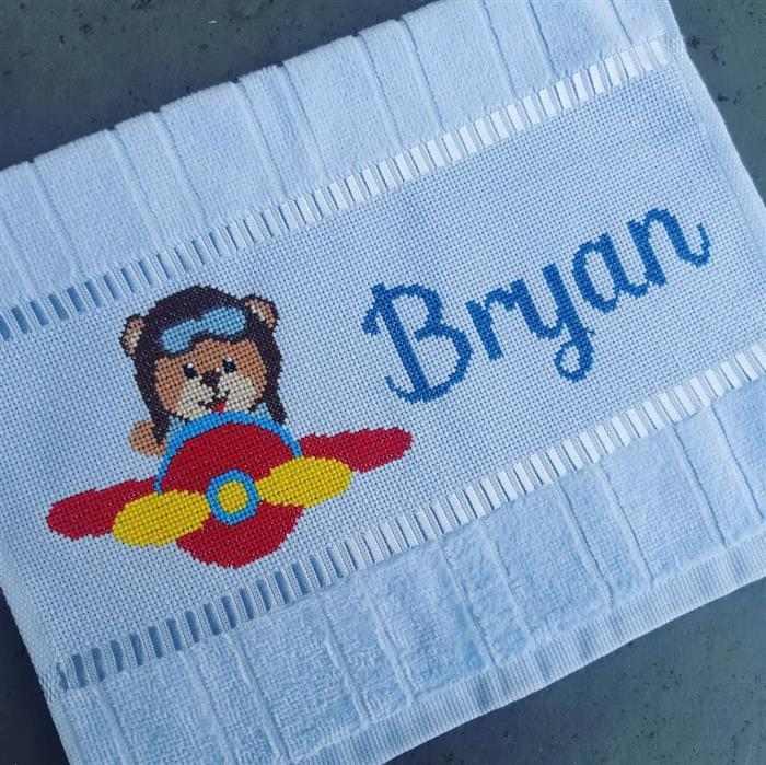 Nome Bryan com tema urso aviador