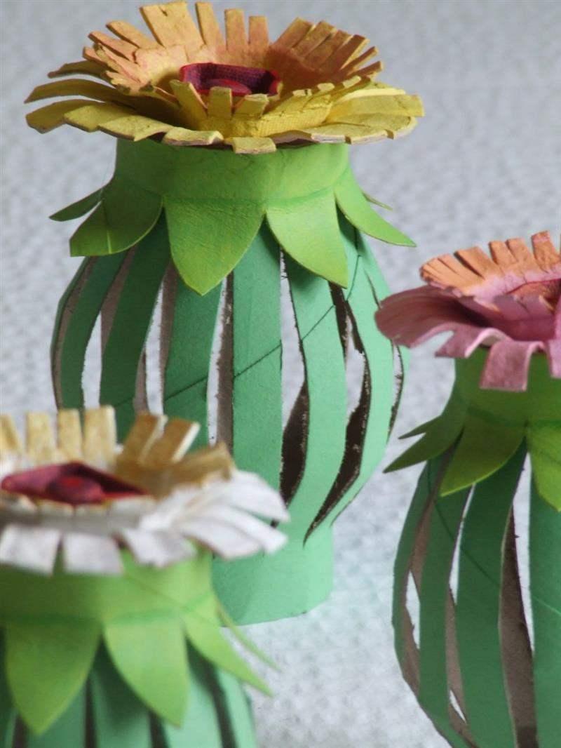 flores feitas com papelão
