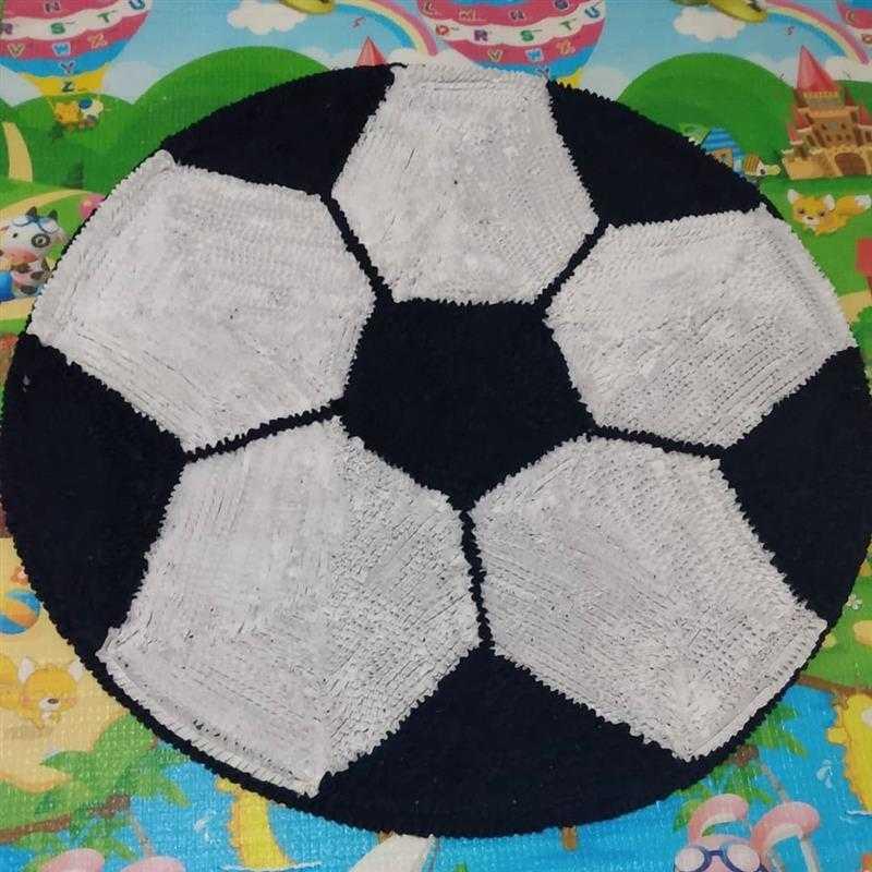 Em formato de bola de futebol