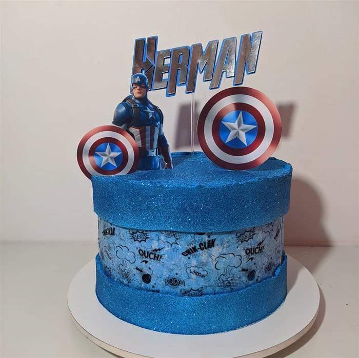 bolo azul com glitter