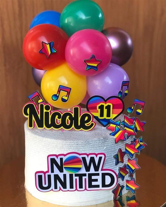 bolo com balões