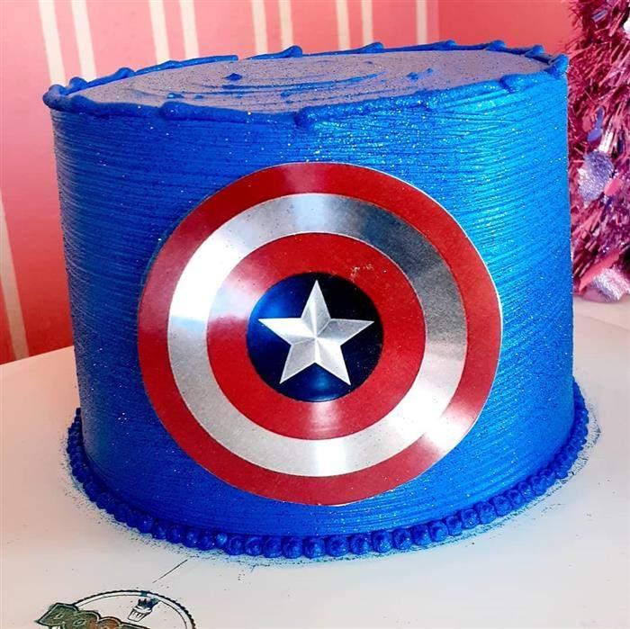 bolo com escudo capitão america