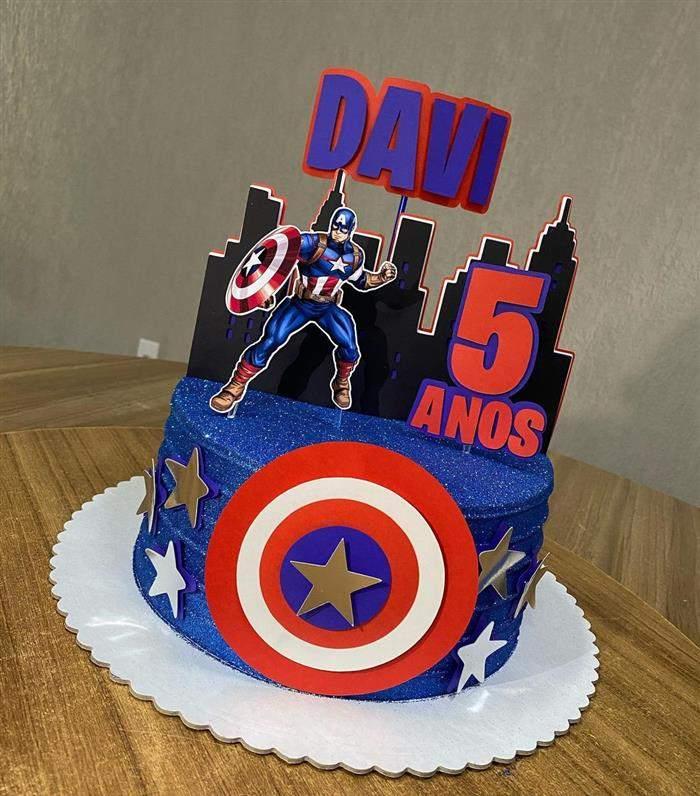 bolo com predio capitão america