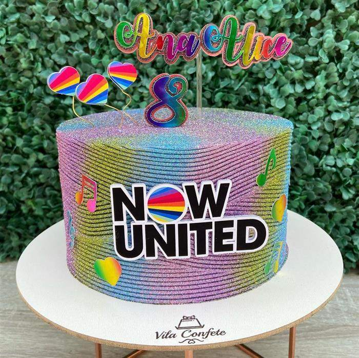 bolo com tema now united