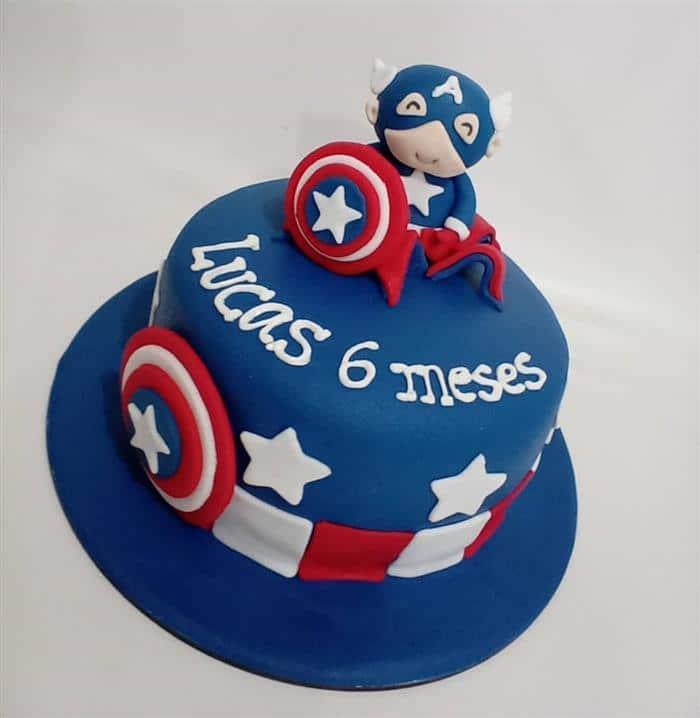 bolo do capitão américa com pasta americana