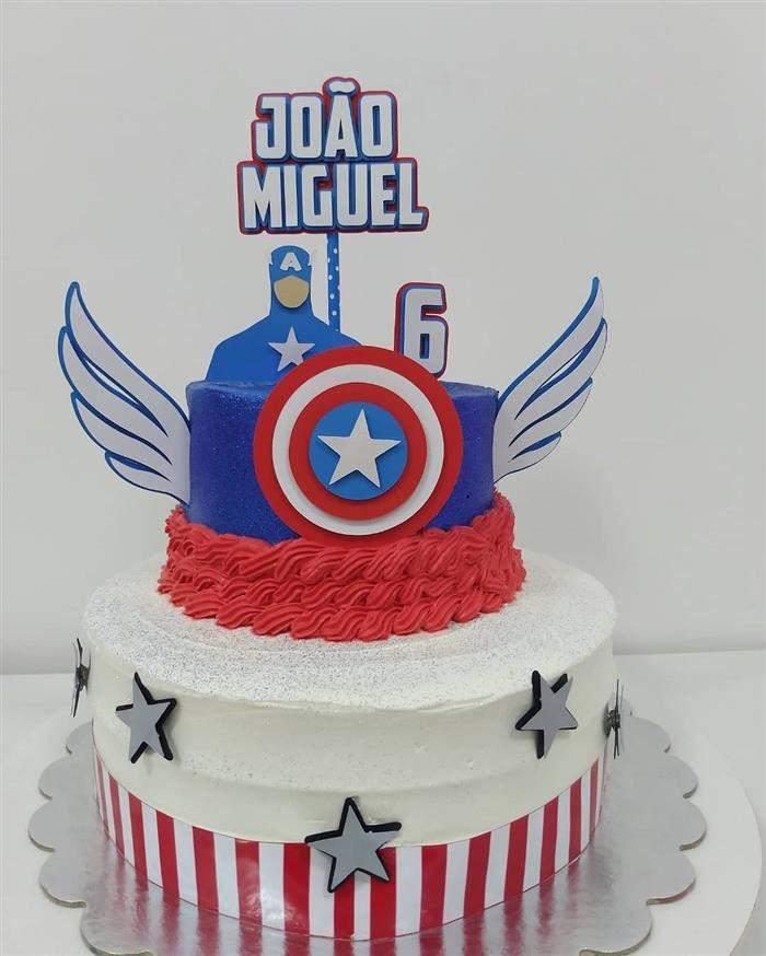 bolo do capitão américa de andar