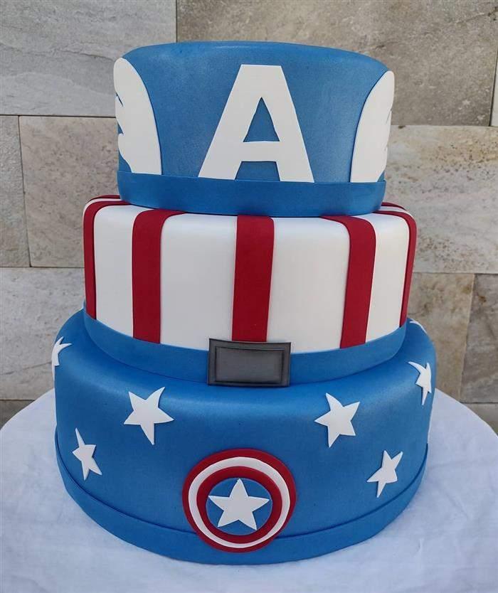 bolo do capitão américa de biscuit