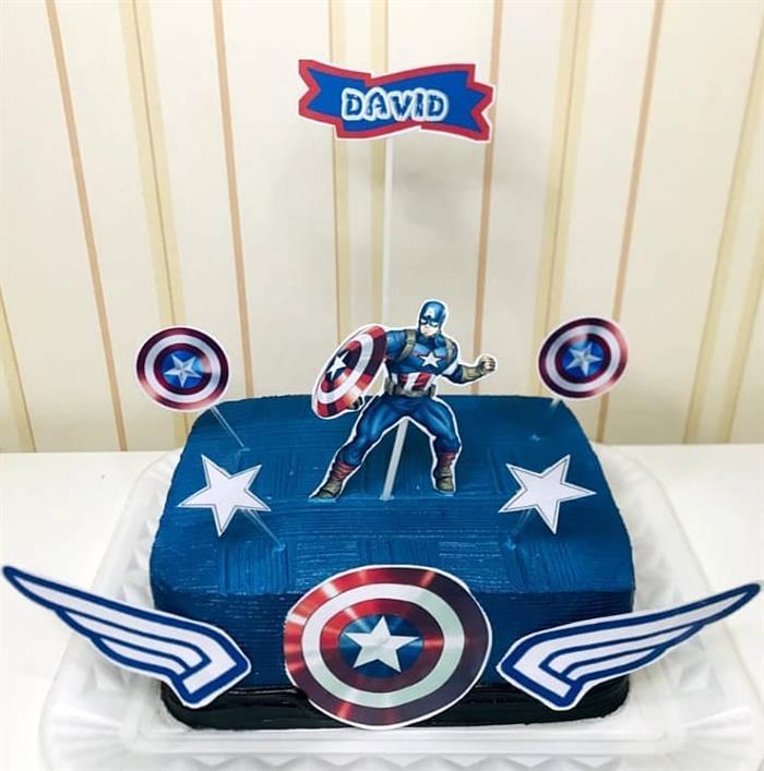 bolo do capitão america de chantilly quadrado