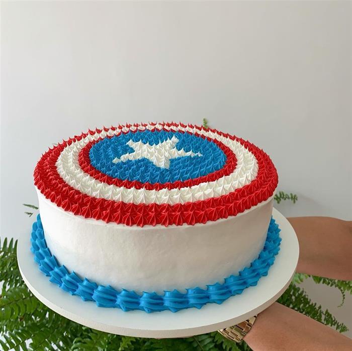 bolo do capitão américa simples