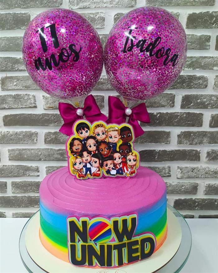 bolo now united com balões