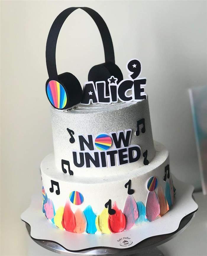 decoração de festa now united simples