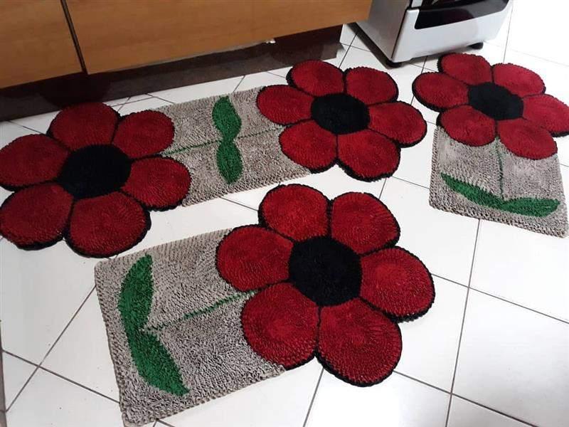 com flores vermelhas