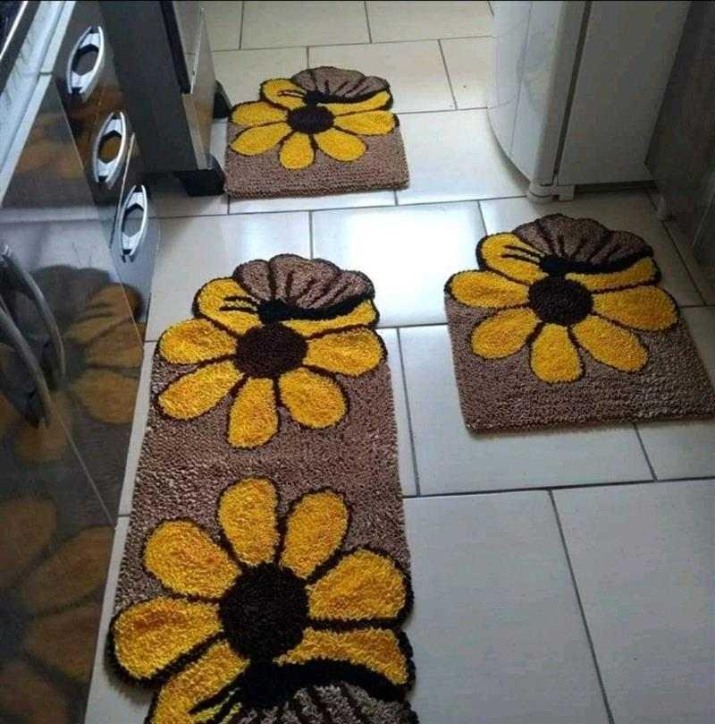 Flores amarelas com borboletas
