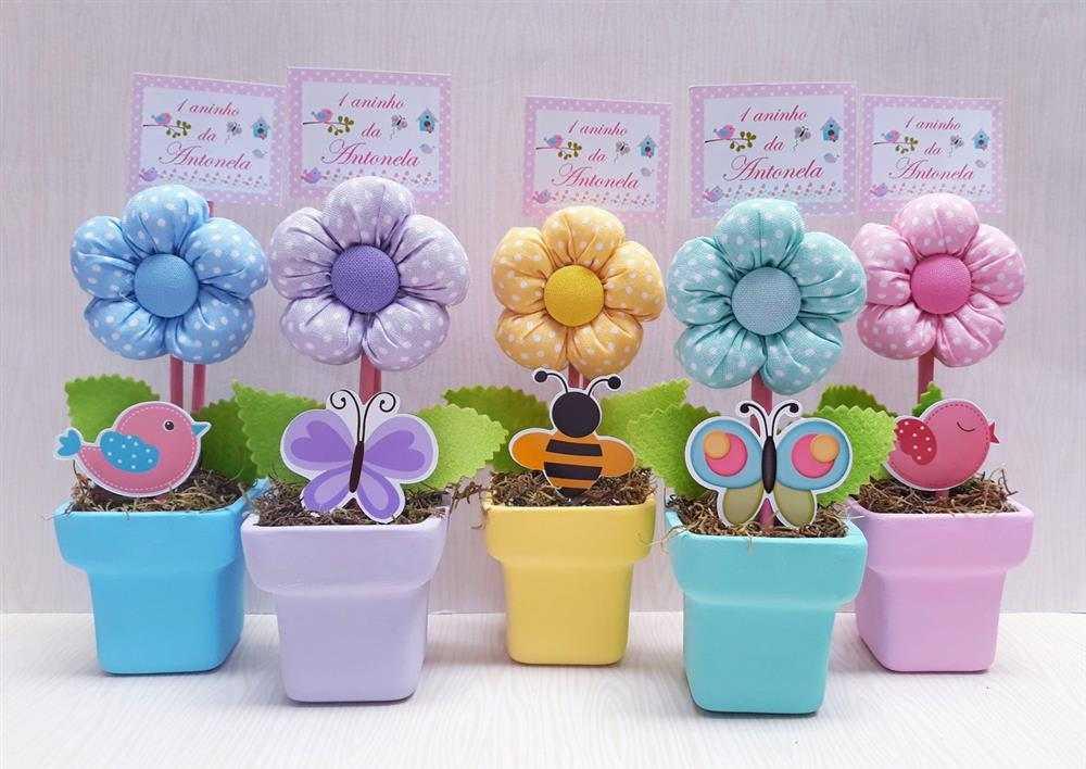 Vasinho de flor de fuxico candy color