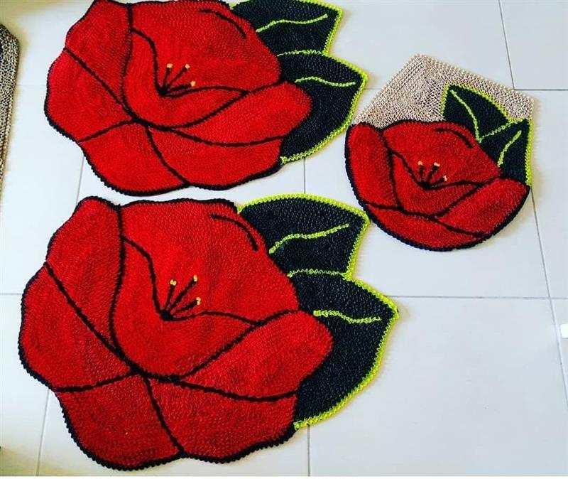 Frufru de banheiro com rosas