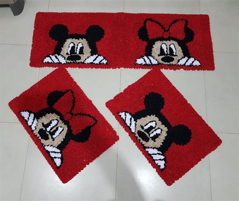 Minnie e do Mickey no vermelho