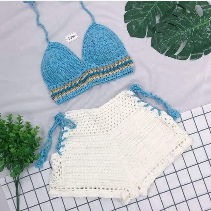Conjunto azul e branco