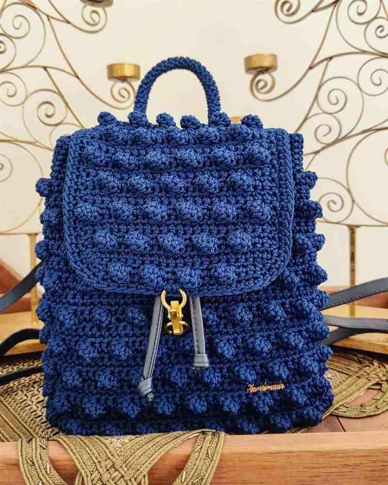 Mochila de crochê feminina azul