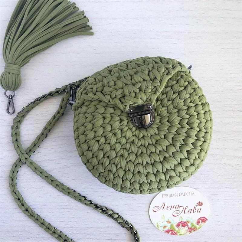 Bolsa de crochê redonda pequena