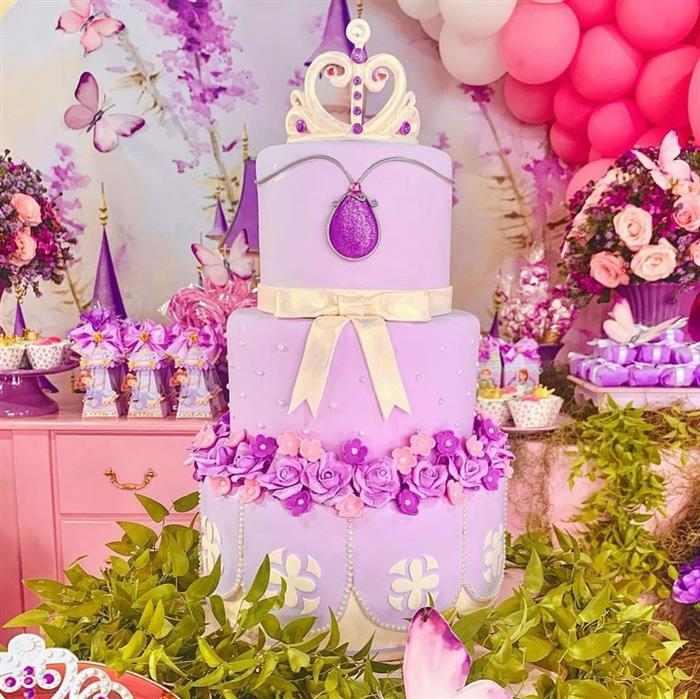 bolo da princesa sofia de três andares