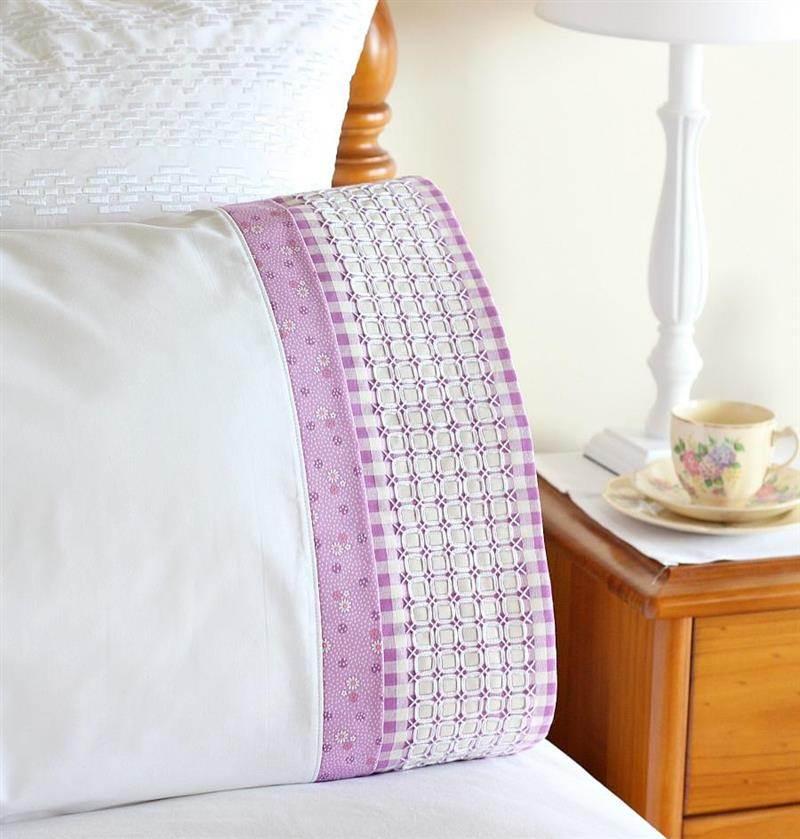 capa de travesseiro bordada