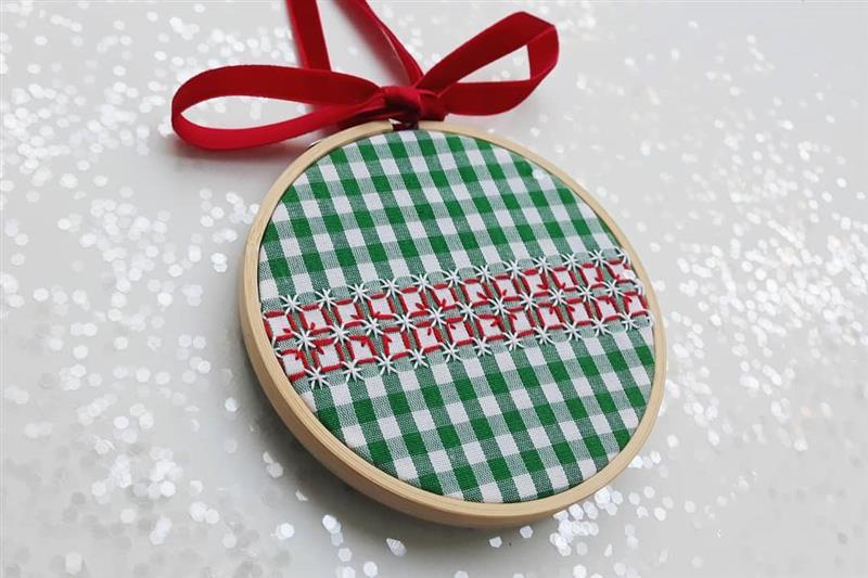 Tecido xadrez verde e branco natalino