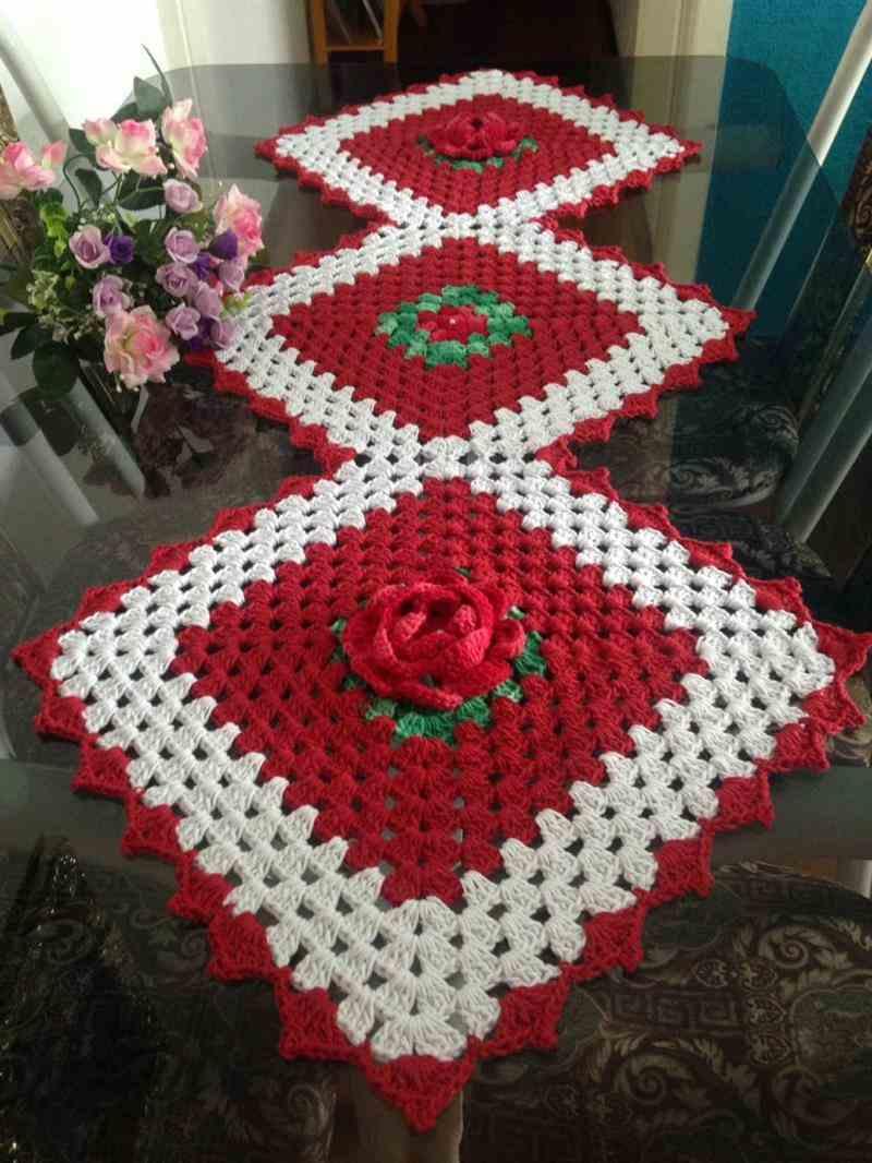 vermelho e branco com rosas
