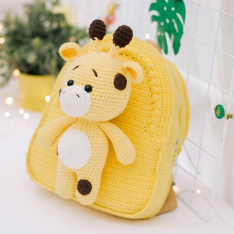mochila de crochê amarela
