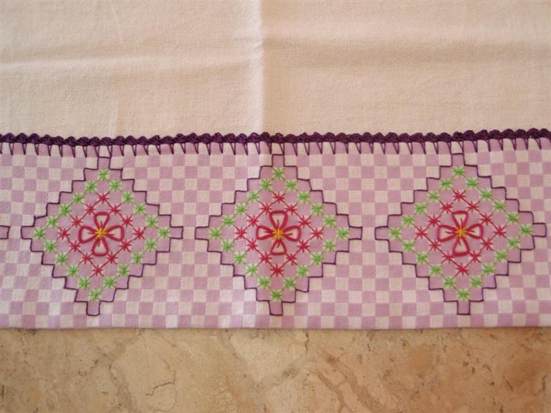 tecido xadrez bordado em ponto cruz duplo