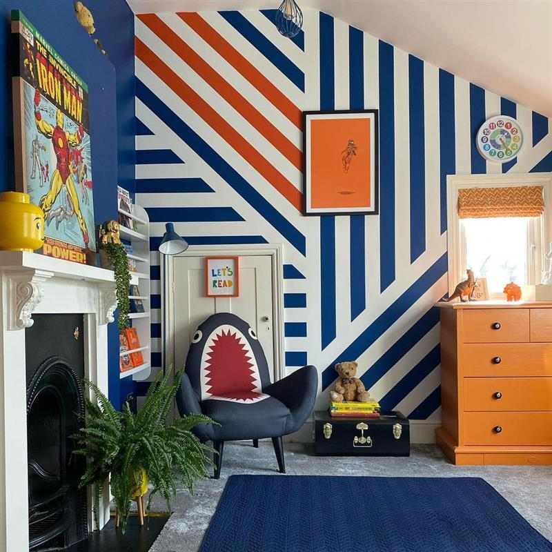 pintura de parede com fita isolante