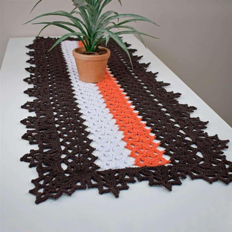 Trilho de mesa em crochê com receita