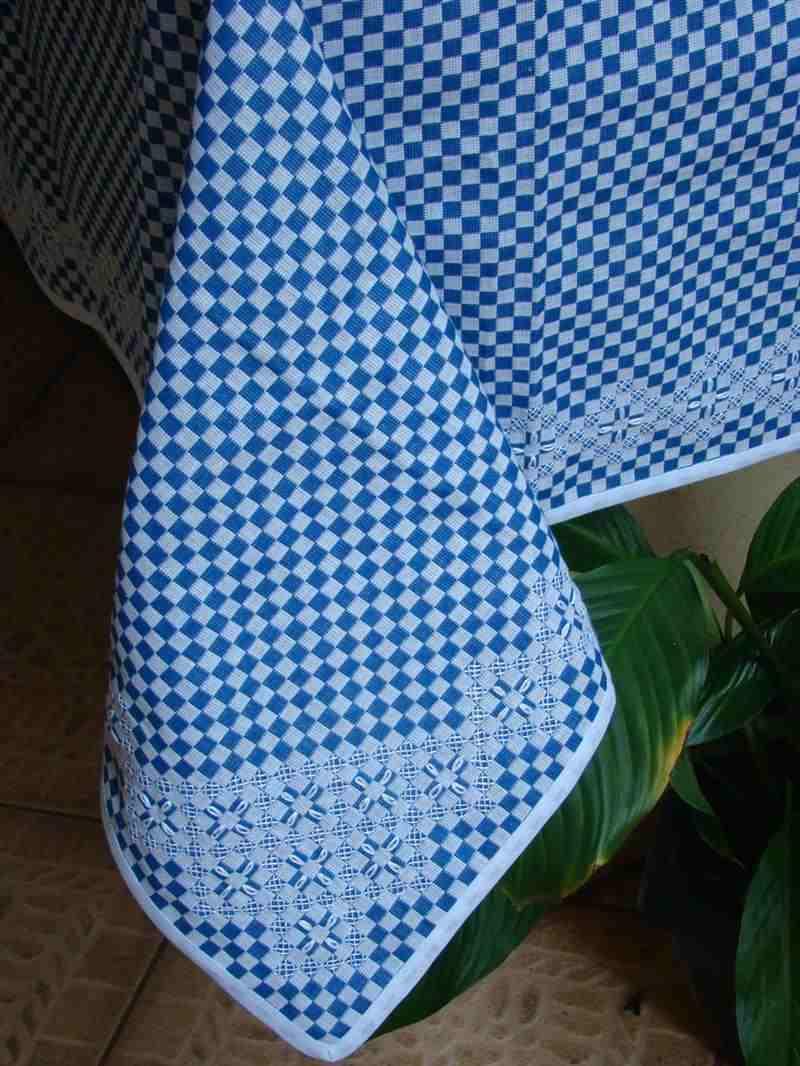 bordado em tecido xadrez caminho de mesa