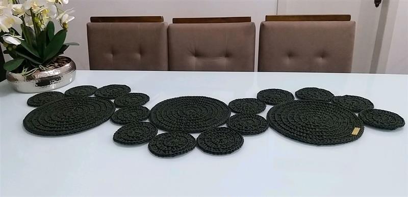 Caminho de mesa crochê moderno
