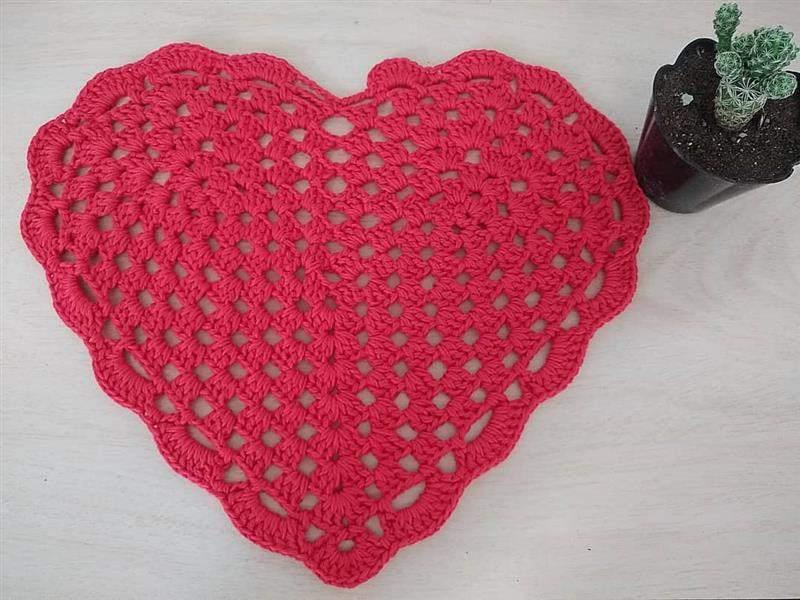 sousplat em formato de coração